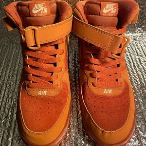 Nike Air Force 1 Mid Dark Russet Guava Ice Sz 9.5